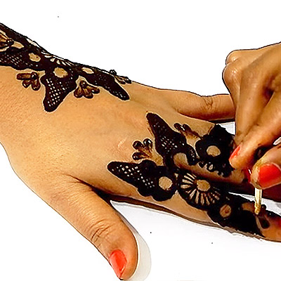 Mehendi Trick Using Hair Clip