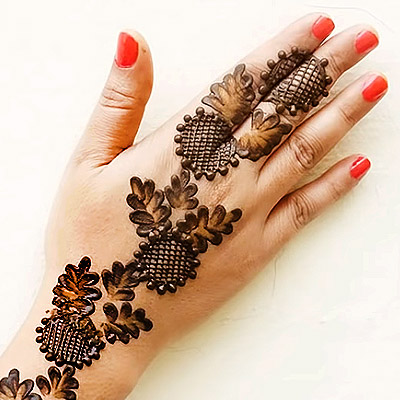 Mehendi for Wedding Using Bottle Cap